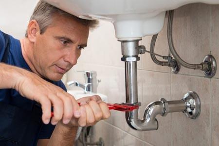 Services de plomberie pendant les jours fériés
