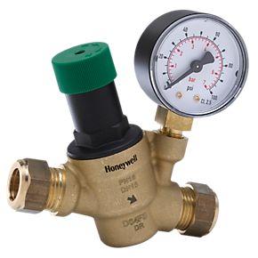 Faites appel à un plombier qui saura résoudre efficacement le problème de pression d'eau dans votre logement.