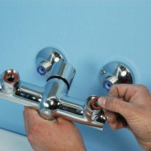 Pour une pose impeccable de robinet baignoire, contactez un plombier compétent.